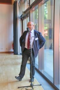 Dr. med. Schupp aus Herzogenaurach nutzte auch die Möglichkeit mit in die Diskusssion einzusteigen