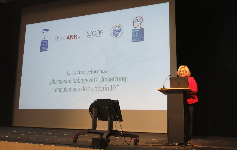 Helga Lüngen (ZNS) bei der Eröffnung des 13. Nachsorgekongresses